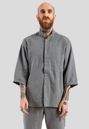 Skjorter - grau