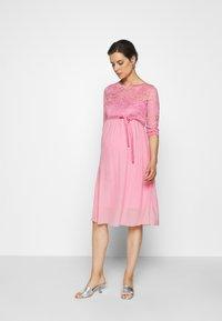 MAMALICIOUS - Vestido de cóctel - cashmere rose - 0