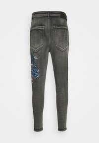 SIKSILK - AOKI DROP CROTCH EMBROIDERED - Jeans Tapered Fit - snow wash - 5