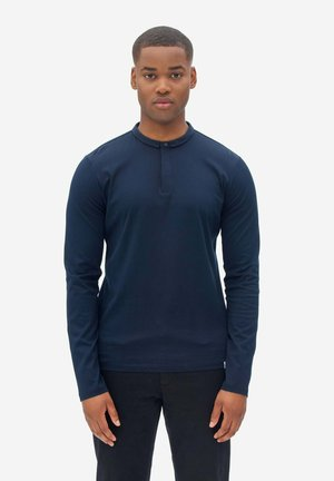 Polo shirt - sky captain