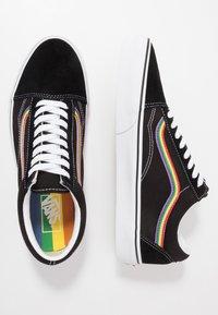 Vans - OLD SKOOL - Trainers - black/multicolor/true white - 1