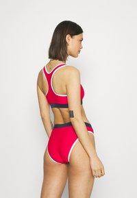 Fila - YAKIMA SET - Bikini - true red/black iris/bright white - 2