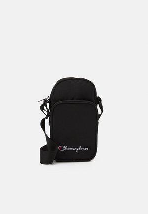 SHOULDER BAG UNISEX - Skuldertasker - black