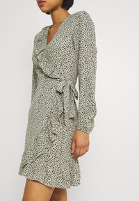 ONLY - ONLCARLY WRAP SHORT DRESS - Kjole - seagrass - 4