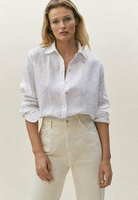Massimo Dutti - Straight leg jeans - beige - 1