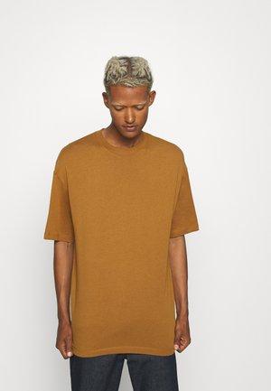 JORBRINK CREW NECK - Basic T-shirt - brown