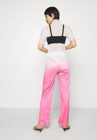 HOSBJERG - RILEY PANTS - Trousers - pink - 2