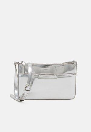 FOCUSED XBODY - Across body bag - silver-coloured