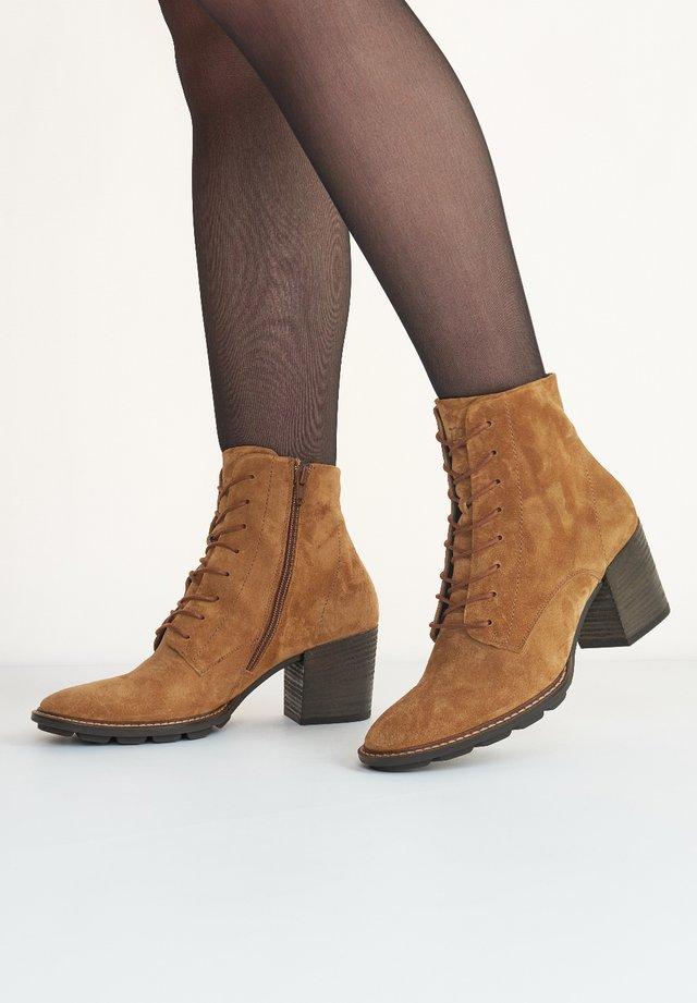 Boots à talons - cognac-braun 027