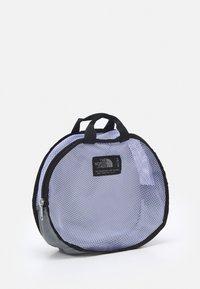The North Face - BASE CAMP DUFFEL - XS - Torba sportowa - sweet lavender/black - 4