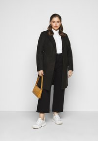 Levi's® Plus - RIBCAGE STRAIGHT - Straight leg jeans - black heart - 1