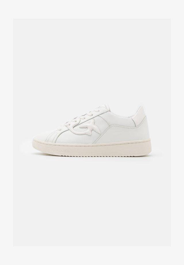 LIQUIRIZIA - Sneakersy niskie - bianco