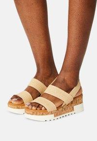 Madden Girl - ESSIE - Sandals - natural - 0