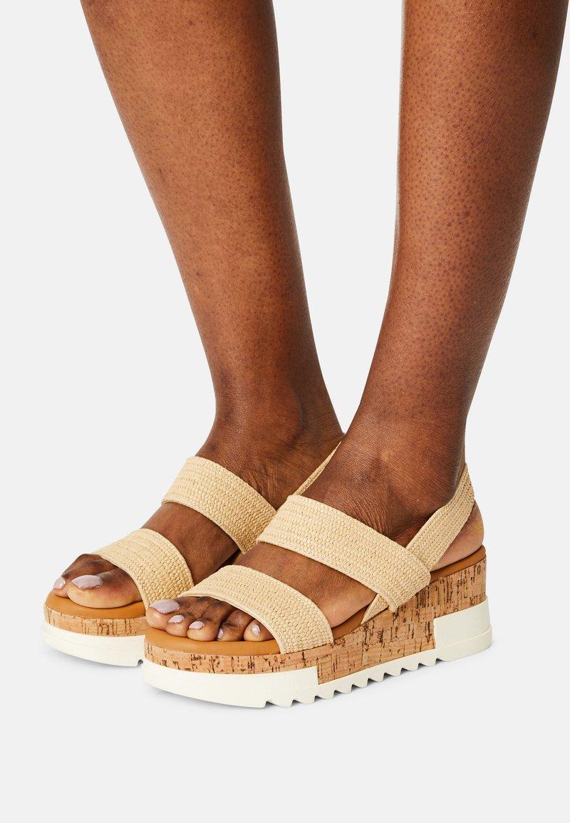 Madden Girl - ESSIE - Sandals - natural