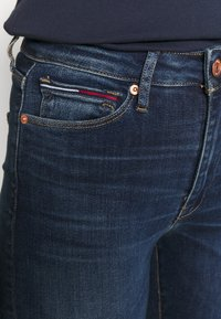 Tommy Jeans - SYLVIA SUPER - Jeans Skinny Fit - knox dark blue - 4