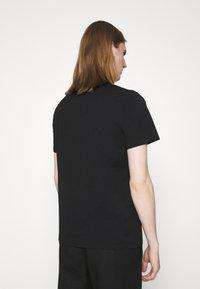 Just Cavalli - EXCLUSIVE - Print T-shirt - black - 2