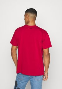 Levi's® - DISNEY MICKEY AND FRIENDS TEE - Print T-shirt - crimson - 2