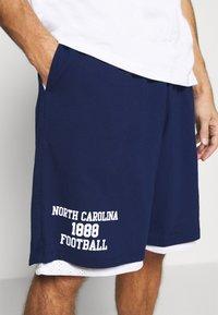 Mitchell & Ness - NORTH CAROLINA SHORT - Sports shorts - navy - 5