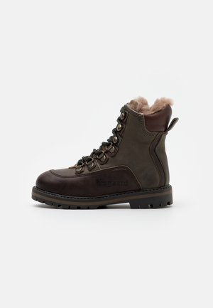 MARCUS - Lace-up ankle boots - army