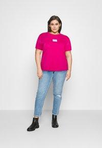 Calvin Klein Jeans Plus - SHINE BADGE TEE - Basic T-shirt - pink - 1