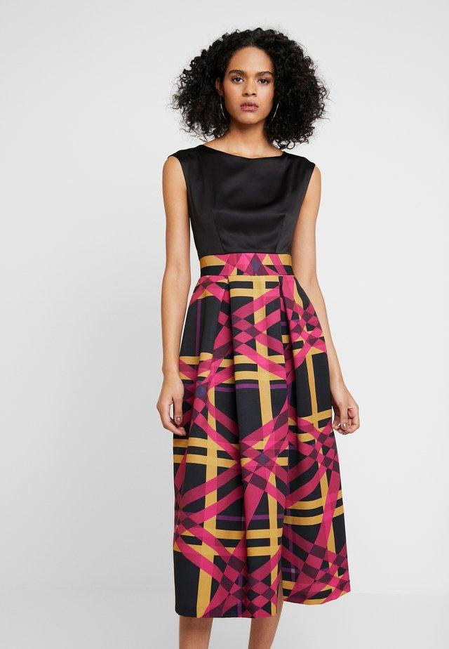 PLEATED SKIRT DRESS - Cocktail dress / Party dress - magenta