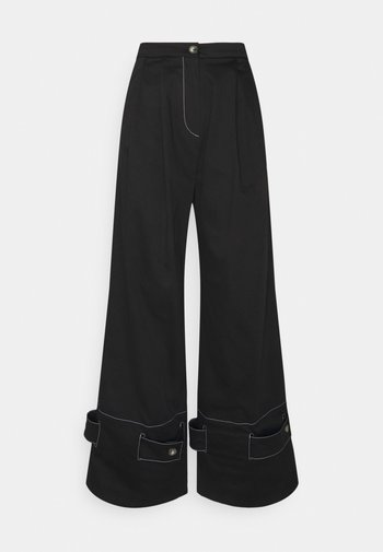 HOLLY - Kalhoty - black