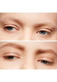 MAC - SHAPE & SHADE BROW TINT - Eyebrow pencil - lingering - 3