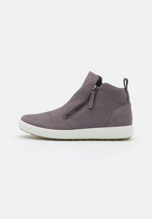 SOFT - Kotníková obuv - gravity
