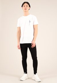 blonde gone rogue - LAVENDER - T-shirt con stampa - white - 1