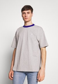 Converse - ALL STAR OVERSIZED SHORT SLEEVE TEE - Printtipaita - mottled light grey - 2