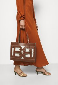 Bally - CABANA CALIE SET - Handbag - cuero - 1