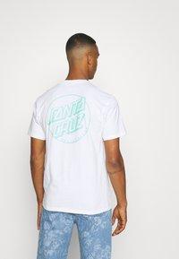 Santa Cruz - OPUS DOT STRIPE UNISEX - T-shirt imprimé - white - 0
