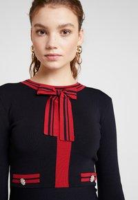 Morgan - Stickad klänning - marine/lisptick - 5