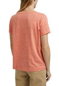 Esprit - PER COO CLOUDY - Basic T-shirt - orange red - 5