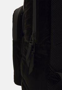 Rains - BASE BAG MINI QUILTED - Rucksack - black - 3