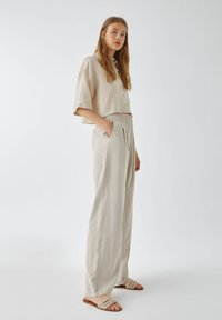 PULL&BEAR - Trousers - sand - 4