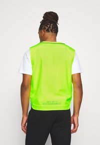 Nike Sportswear - VEST - Liivi - volt - 2