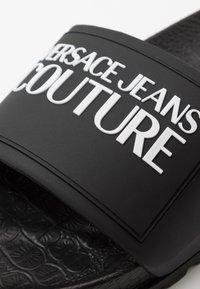 Versace Jeans Couture - Klapki - black - 5