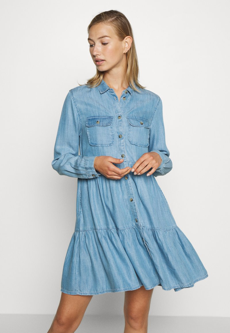 Superdry - TIERED DRESS - Jeanskjole / cowboykjoler - light indigo used