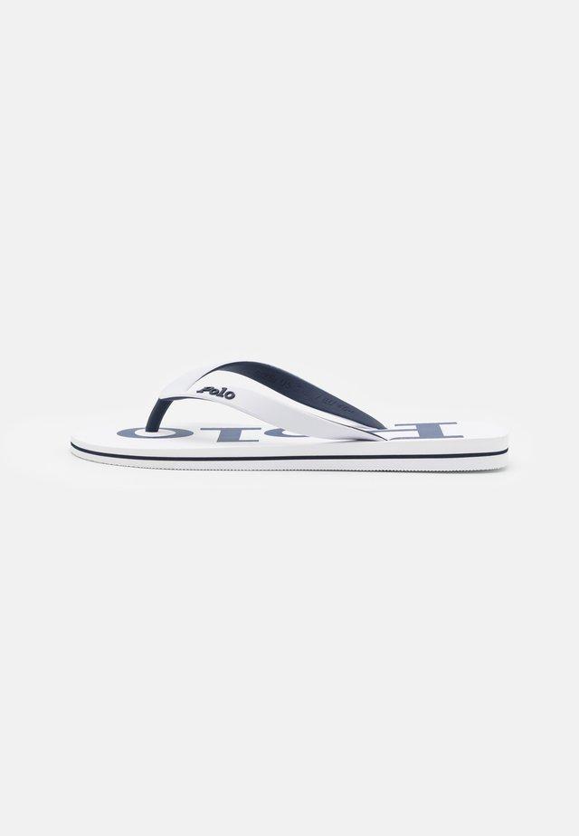 Sandály s odděleným palcem - white/newport navy