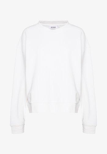 HUGE CROPPED SWEATSHIRT - Sweatshirt - white