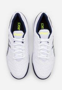 ASICS - GEL DEDICATE 6 - Zapatillas de tenis para todas las superficies - white/peacoat - 3
