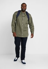 Jack & Jones - JORVICTOR - Skjorter - dusty olive - 1