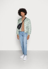 Another Influence - ONION QUILT JACKET - Blouson Bomber - mint - 1