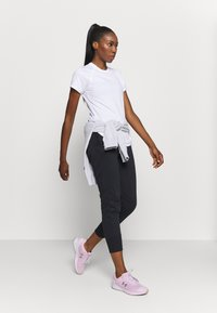 Under Armour - SPORT HI LO  - T-Shirt basic - white - 1