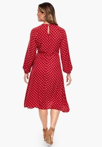 Triangle - MIT ORNAMENTALEM MUSTER - Day dress - red aop - 2