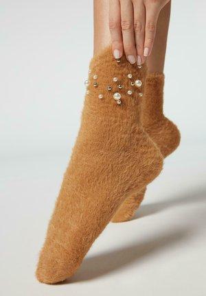 MIT DISNEY-MUSTER - Socks - appl.perle soft cammello