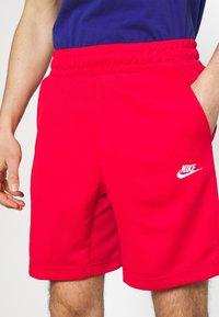 Nike Sportswear - TRIBUTE - Shorts - university red - 4