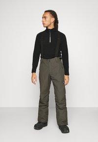 Brunotti - FOOTSTRAP MENS SNOWPANTS - Zimní kalhoty - pine grey - 0
