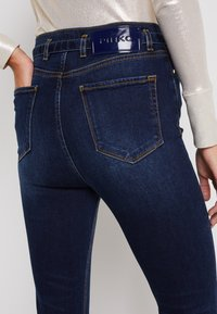 Pinko - SUSAN 8 TROUSERS - Jeans Skinny Fit - blue - 3